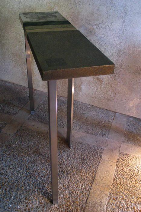 de-la-Fontaine-à-lAutruche-Anne-dAutruche-467x700 Mobilier d'Art